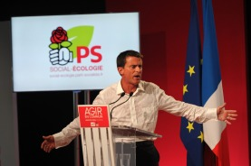 French prime minister Manuel Valls delivers a speech on the last day of the Socialist Party (PS) summer congress on August 30, 2015, La Rochelle, western France. AFP PHOTO / XAVIER LEOTY